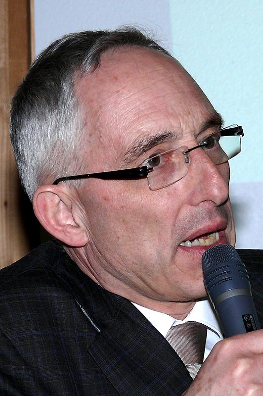 Oberbürgermeister Dr. Rupert Kubon informiert in VS-Weigheim über die JVA Villingen-Schwenningen